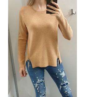 Megztinis su auksinės spalvos užtrauktukais